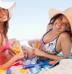4 Ideas for a Winning Beach Towel Promotion This Spring